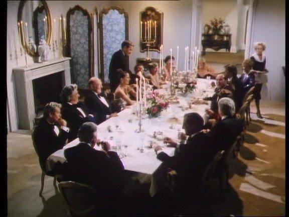 épisode 5 saison 1 version années 80 épisode une petite fête entre ennemies