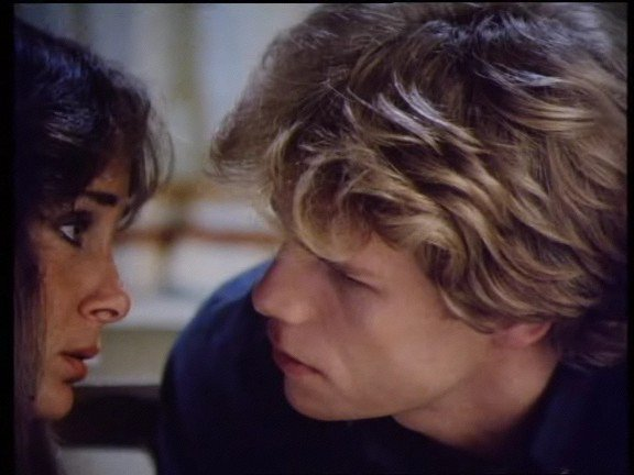 épisode 7 saison 1 version années 80 : titre de l'épisode : une petite vie de couple