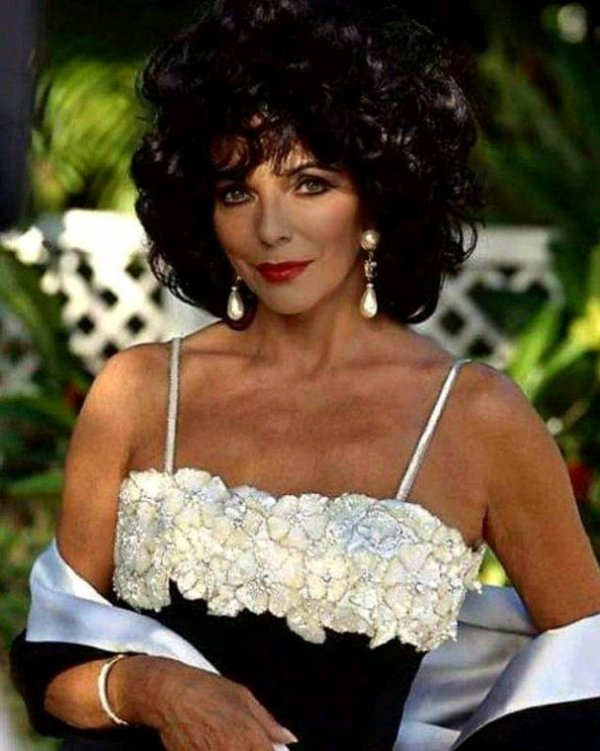 Joan Collins La première Alexis