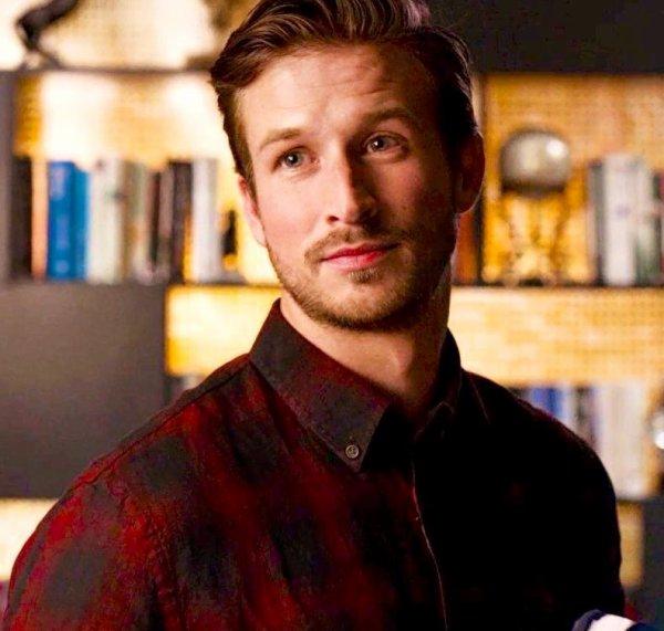 Liam un personnage créé pour la nouvelle version et qui séduit Fallon