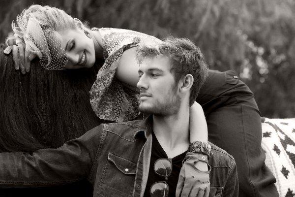 « Dans ce monde largement pourri, c'est une chance,  presque un luxe, de pouvoir compter sur quelqu'un,  d'aimer et d'être aimé, cela vaut la peine qu'on s'y accroche. »