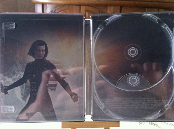 Resident Evil Retribution 3D (steelbook)