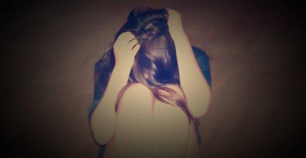 Ma vie est un désastre mais personne ne le voit car je suis très polie; je souris tout le temps. ♥
