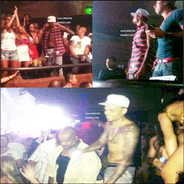 ". Chris Brown & La Crew #CBEa été Appercu au Mexique. Le Son Avec Nicki Minaj  ""Right By My Side"" Est Dispionible."