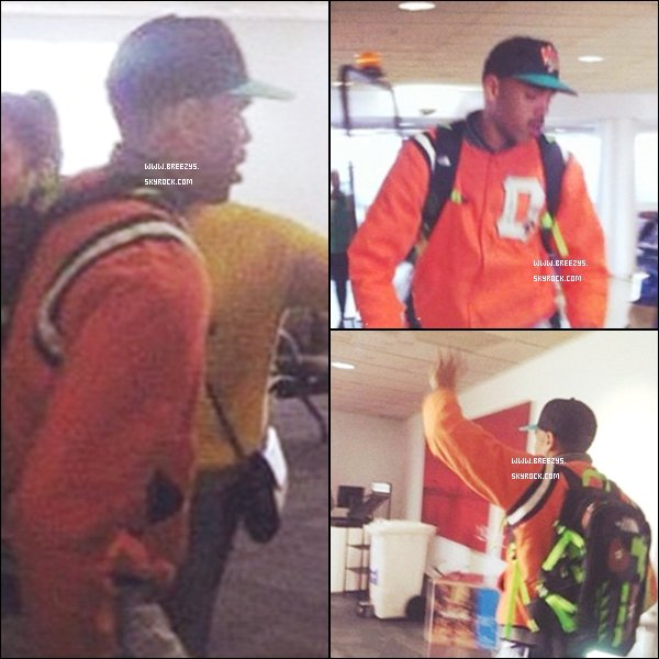 ". ♦ Breezys : - Chris Brown était à l'aéroport « Australie  » de Aus le 24 avril.  Le Tournage Du Clip ""Sweet Love"" Commence « Los Angeles »!  ."