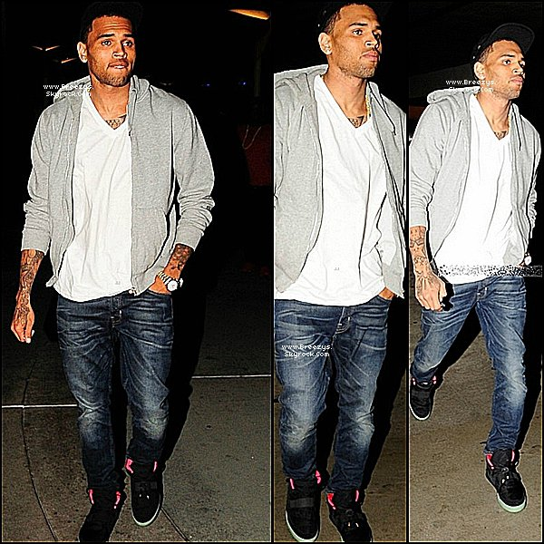". ♦ Breezys : -  Chris Brown a éte vu a Hollywood Pour Voir Le Film ""Men In Black III"". Ay Dutio Avec GAME Et Pharrell Williams , Buddy & Leah LaBelle !  ."