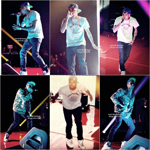 """. 5 Sept 2012 - Notre Chris Brown en suprise au concert de Tyga au """"ClubNokia"""" Los Angeles. Tenue, Top ou Flop ? INFO - Chris Sera peut etre present au #VMA2012 . ."""