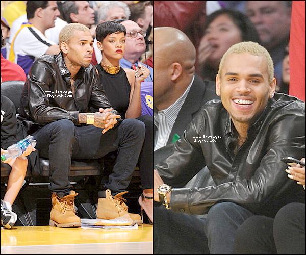 . Chris B. Apperçu avec Rihannaau Staples Center a Los angeles, a un match de Basket opposantLeakers (L.A) VS Knicks (N.Y). .
