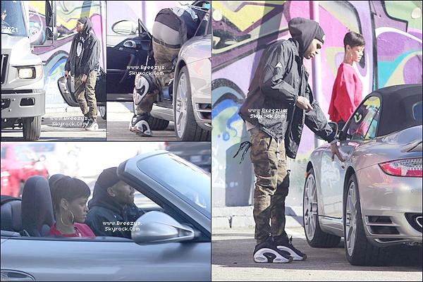 ". Chris B. Apperçu avecRihannaaBrooklyn Projects a ""Los Angeles""pour la future collaboration en févier entre Black Pyramid x Brooklyn Project. ."