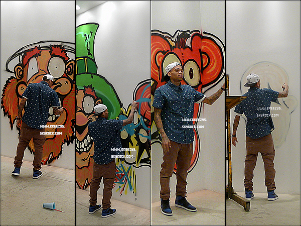. 18.03.2013 : Le beaux Chris Brown a réaliser un graffiti a la galerie d'art mobb a Los Angeles. .