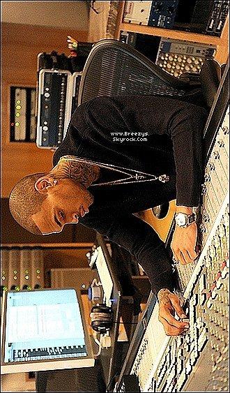 . Chris Brown a accordée une interview a « Ebony», à voir ci-dessous. .