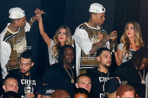 . 08.04.2013 : Le beaux Chris a été aperçue quittant le club Playhouse a Los Angeles. .