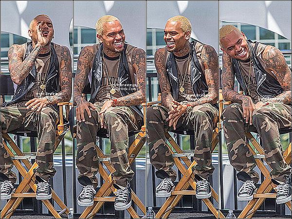 """. 14.05.2013 : Chris à participé a une conférence de presse pour le """"Bet Awards"""" a Los Angeles. ."""