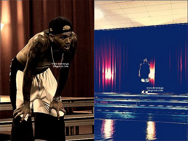 """. 16 et 17.05.2013 : Chris à commencer les répétition pour son live au """"Billboard"""". ."""