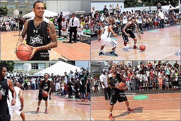 """. 29.06.2013 : Chris a participer a un match de Basket pour le """"Bet Awards Experience"""" a Los Angeles. ."""