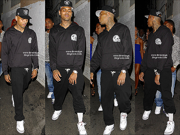 ". 04.08.2013 : Chris apperçu en quittant le ""Playhouse"" club a Los Angeles. ."