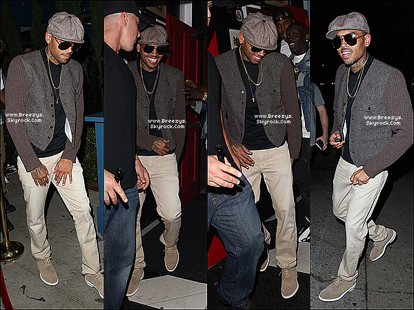 ". 15.08.2013 : Chris a été repérer par les paps en sortant du club ""Hooray Henry"" a Hollywood. ."