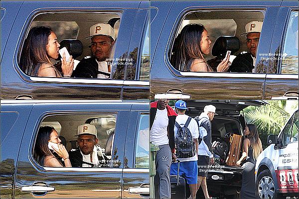 . 21.08.2013 : Chris a été apperçu par les paps pour se rendre a l'aéroprort de Los Angeles. .
