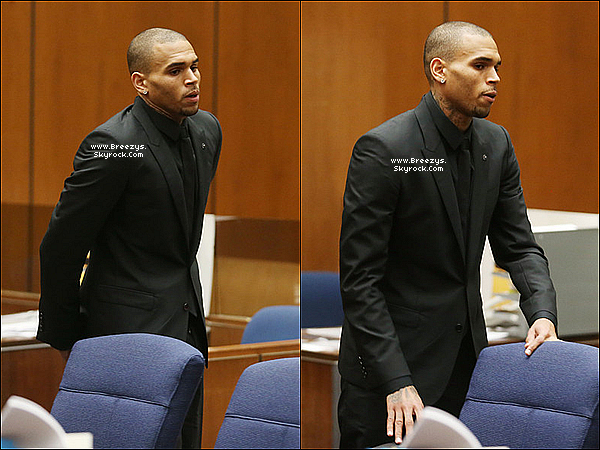 . 20.11.2013 : Chris a été présent au tribunal pour sa probation a Los Angeles. .
