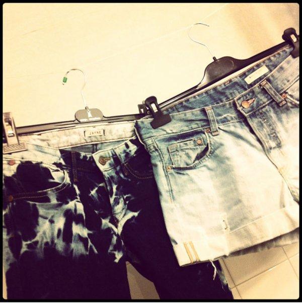Short délavé et pantalon