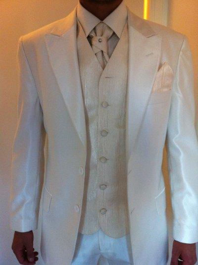 Costume homme idéal pour marié