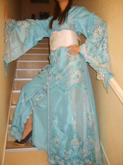 Takcheta bleue et blanche