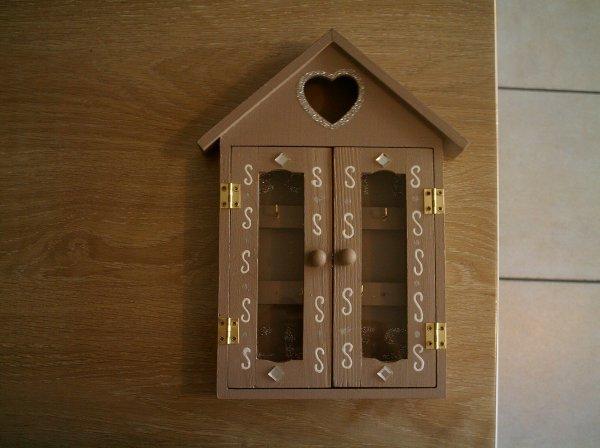 boite a clefs 2 creation de decoration maison. Black Bedroom Furniture Sets. Home Design Ideas