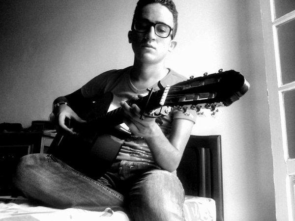 toujours la guitarr !!!