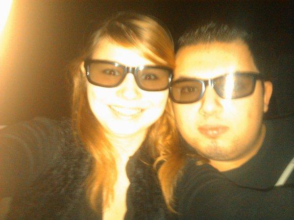 Le cinéma sa nous connait MDR ... Toujours faire les cons ;$ Mon meilleur ami , mon confident , ma vie , mon prince , ma moitié , mon moi , mon chéri , mon premier amour ;$