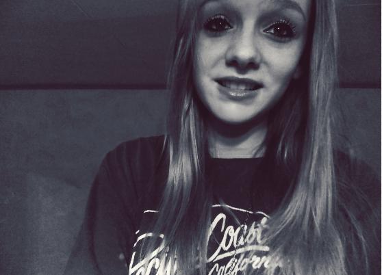 J'ai été critiqué, détesté, aimé, insulté, mais j'ai gardé la tête haute. †