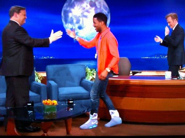 Cudi a acheté les fameuses chaussures Nike de Marty McFly ♥
