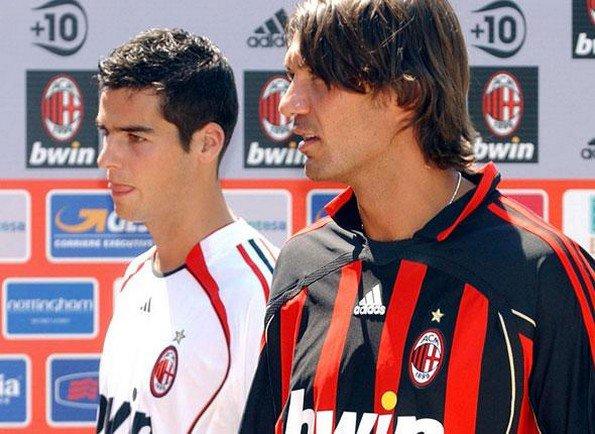 Paolo Maldini tacle très sévèrement Yoann (Vendredi 26 novembre 2010)