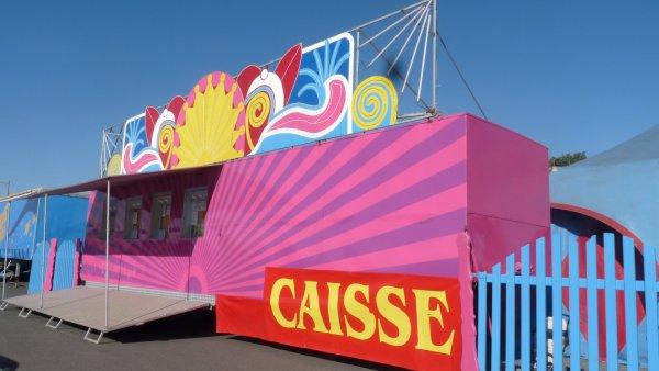 Cirque sur L'eau Orleans 2012 partie 1: le chapiteaux et la caisse.