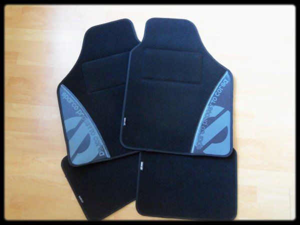 A Vendre: Tapis SPARCO (Neufs)