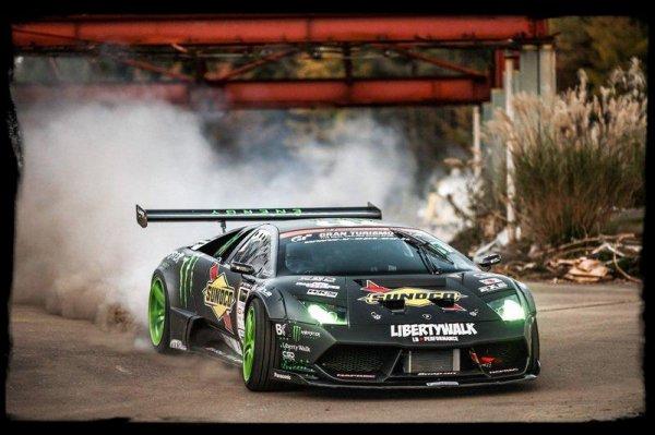 """Drift Passion: """"MONSTER BATTLEDRIFT - Mustang vs Lamborghini"""""""