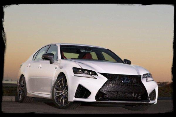 """Drift Passion: Widebody Lexus GS x Seibon's Nissan GT-R """"Classe et rage pour un battle"""""""
