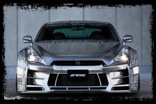 KUHL RACING & ARTISIZAWA PROJECT - Préparation R35 GTR (Second Article consacré à la Star du Tokyo Auto Salon)