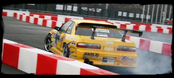 "Photos Perso PTS 2009: ""Drift en piste"""