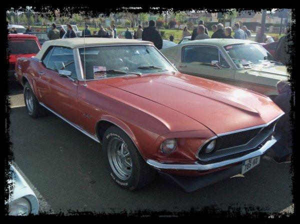 """1er Plessis Vintage Car Show """"Des Mustangs en nombre"""""""