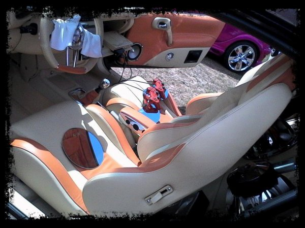 """Meeting Mont Notre dame: """"Deux superbes Show Cars"""""""
