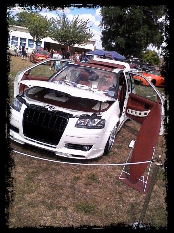 """Meeting Mont Notre dame: """"Deux autres Show Cars!"""""""