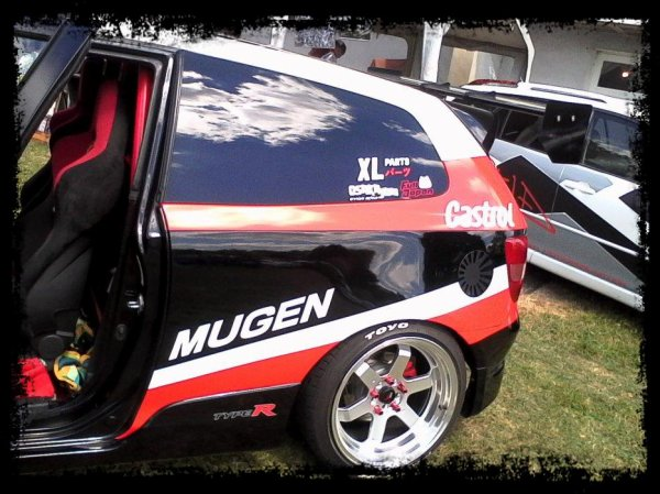 "HONDA Civic Type R  ""De la piste aux meetings""  Juste sublime ! Mugen - Time Attack"