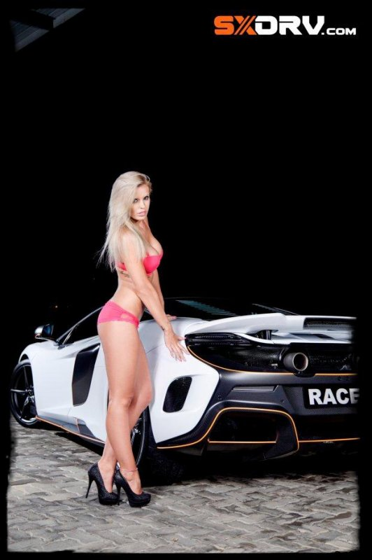 "Sexy et Super Cars: ""Megan JANE WESSON - MCLAREN 675LT"""