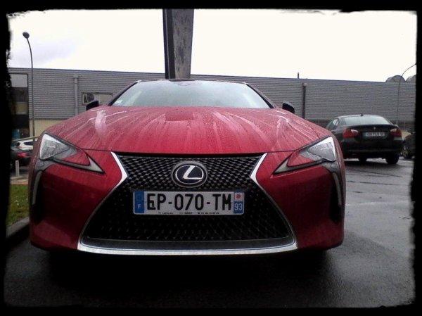 """Vue dans la rue: """"Lexus LC 500h"""""""
