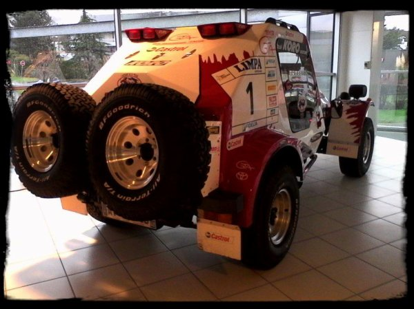 Un Toyota échappé du Dakar