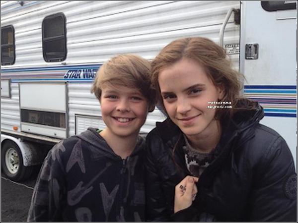 Découvre un nouveau shoot de Emma pour T Magazine