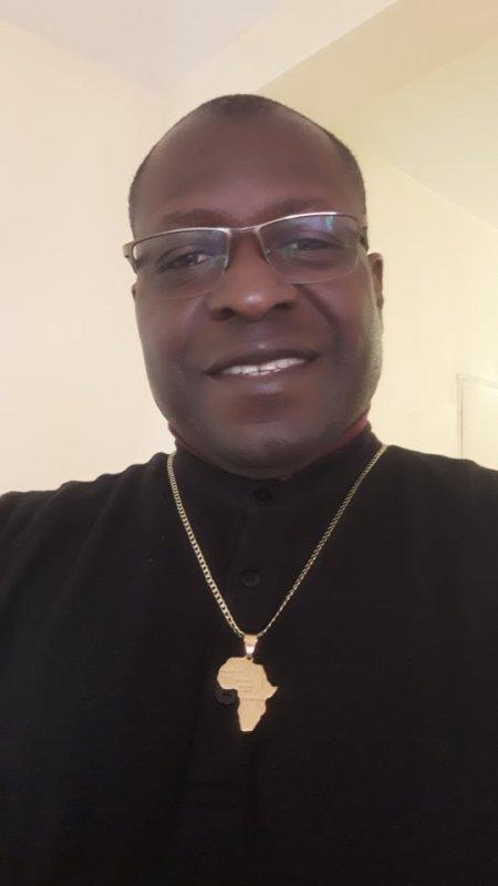 """""""Ce qui est impossible au Hommes est possible à Dieu. Mon credo : Servir mon continent bien-aimé, l'Afrique, d'abord pour la plus grande gloire de Dieu et le bonheur de tout Homme et de tout l'Homme y compris l'environnement..."""" / J.G.A.D."""