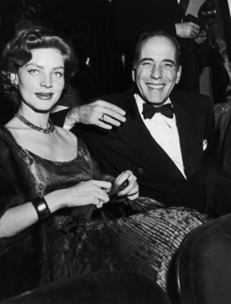 """29 MARS 1951 / 23ème cérémonie des Oscars à Hollywood... BOGART remporte la statuette pour son rôle (meilleur acteur) dans le film """"L'odyssée de l'african queen"""". Greer GARSON récupère la statuette pour Vivien LEIGH pour son rôle dans """"Un tramway nommé désir""""."""