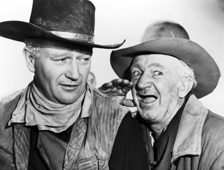 """Dans le film """"La rivière rouge"""" on trouve également les acteurs Walter BRENNAN, Harry CAREY Jr ou encore Hank WORDEN."""