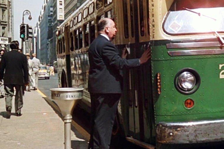 """On trouve également dans le film """"La mort aux trousses"""", les acteurs (de haut en bas) Josephine HUTCHINSON / Adam WILLIAMS / Leo G CARROLL / Martin LANDAU / James MASON / Jessie ROYCE LANDIS / Philip OBER / et HITCHCOCK qui fait une apparition en montant dans un bus..."""